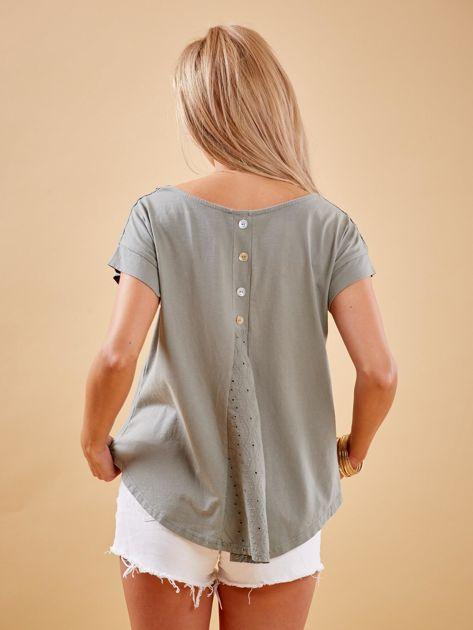 Khaki bluzka z guzikami z tyłu                              zdj.                              2