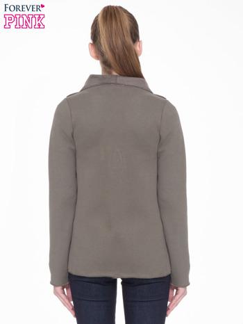 Khaki bluzonarzutka z klapami o kroju waterfall                                  zdj.                                  4