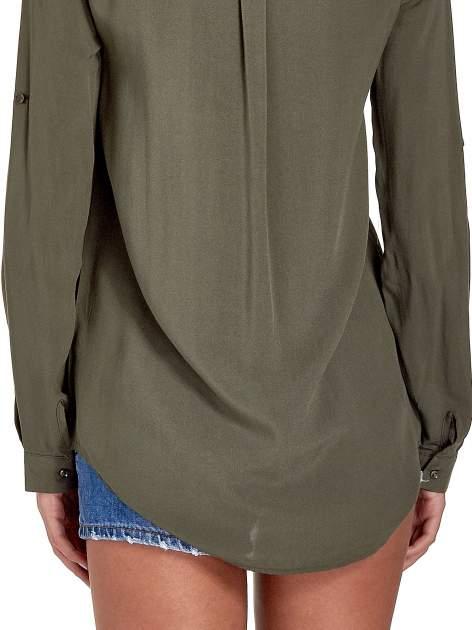 Khaki koszula z haftowanym kołnierzykiem                                  zdj.                                  7