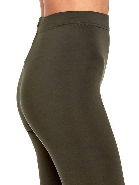 Khaki legginsy basic z lekkim ociepleniem                                  zdj.                                  6