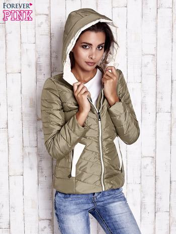 Khaki pikowana kurtka z jasnym wykończeniem                                  zdj.                                  5