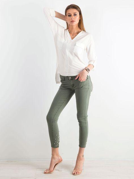 Khaki spodnie biodrówki z aplikacją                              zdj.                              4