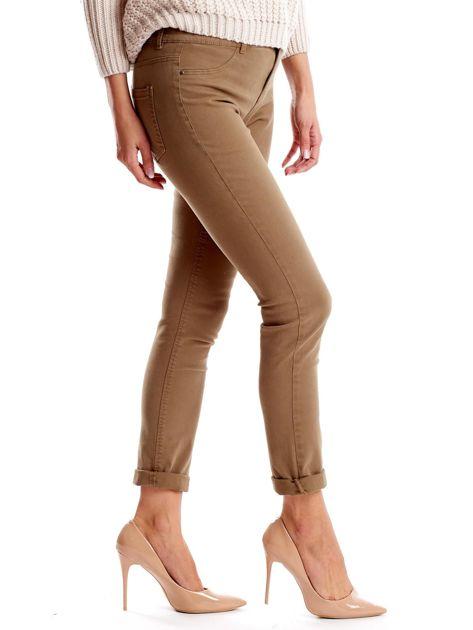 Khaki spodnie damskie o prostym kroju                              zdj.                              3