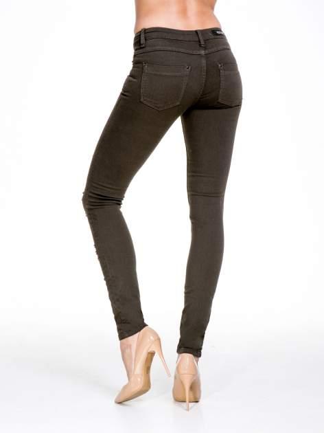 Khaki spodnie typu trash jeans                                  zdj.                                  2
