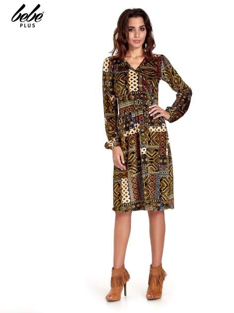 Khaki sukienka midi w patchworkowy wzór                                  zdj.                                  1