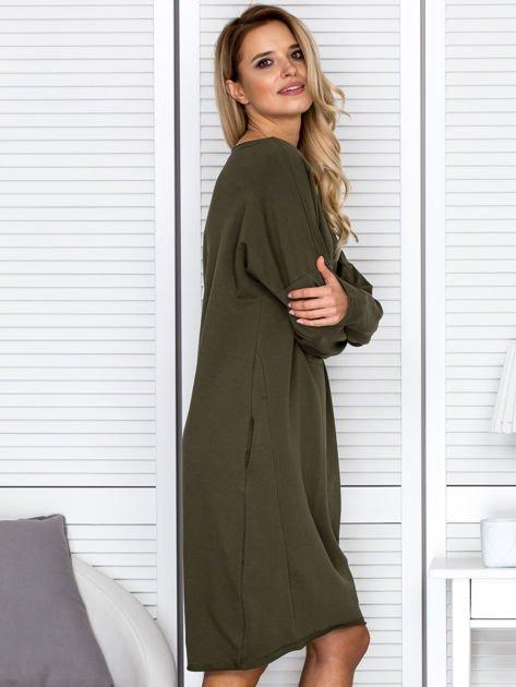 Khaki sukienka z gwiazdą                                   zdj.                                  3