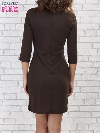 Khaki sukienka z trójkątnym wykończeniem                                  zdj.                                  2
