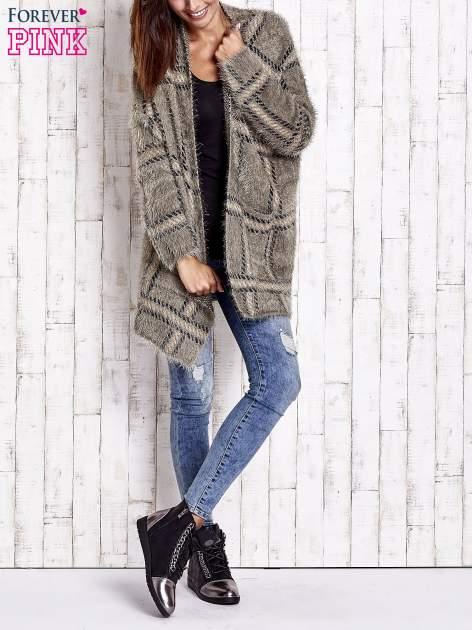 Khaki sweter w kratę z kieszeniami                                  zdj.                                  8