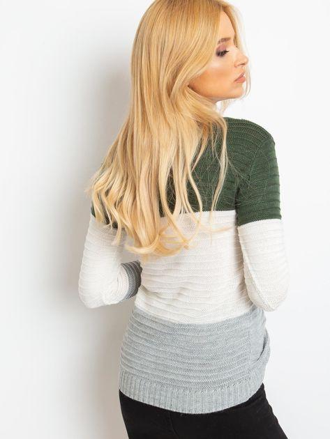 Khaki-szary sweter w szerokie pasy                              zdj.                              2