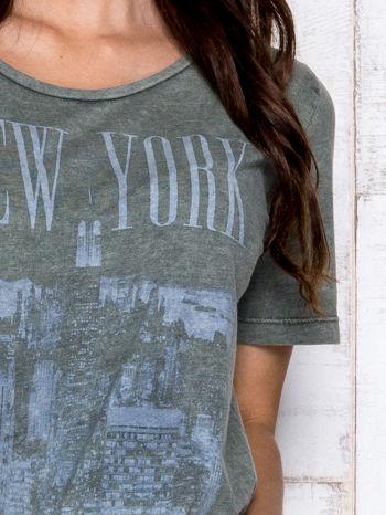 Khaki t-shirt z napisem NEW YORK                                  zdj.                                  6