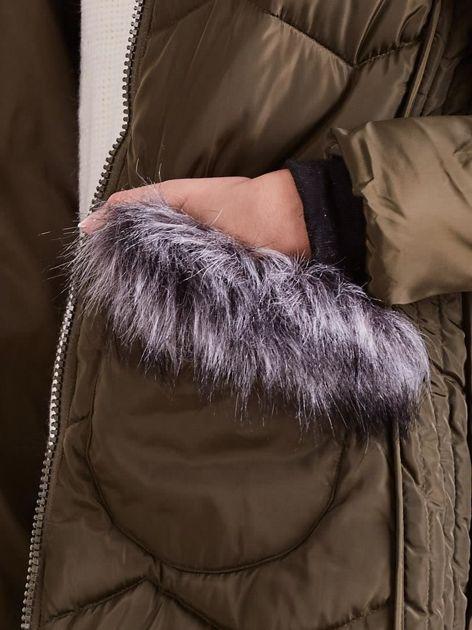 Khaki zimowa kurtka z futrzanym wykończeniem                              zdj.                              9