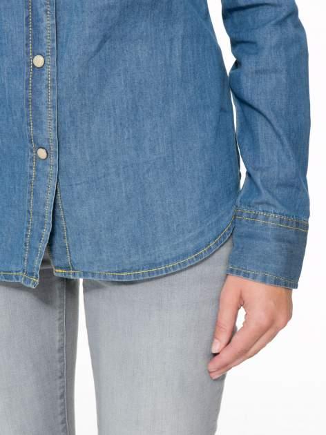 Klasyczna niebieska jeansowa koszula z kieszonkami                                  zdj.                                  6