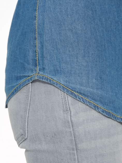 Klasyczna niebieska jeansowa koszula z kieszonkami                                  zdj.                                  9