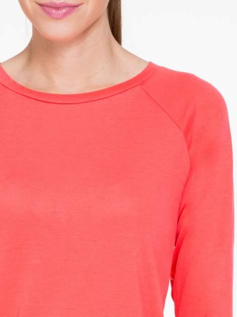 Koralowa bawełniana bluzka z rękawami typu reglan                                  zdj.                                  5