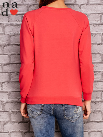 Koralowa bluza z napisem NIC NIE MUSZĘ                                   zdj.                                  4