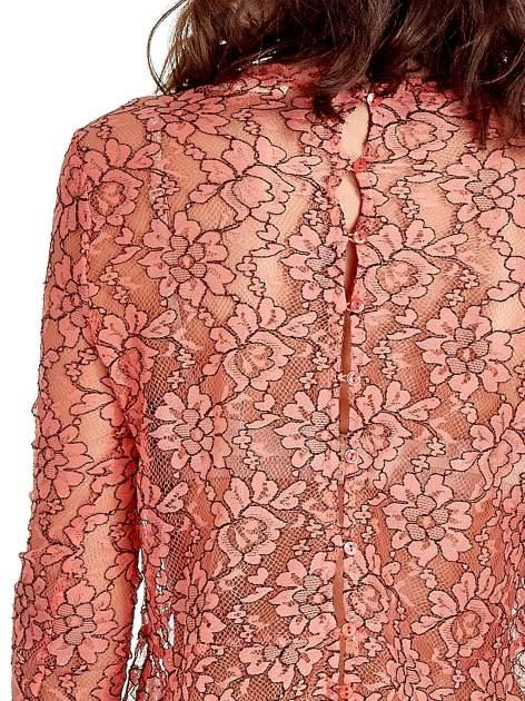 Koralowa bluzka koszulowa z koronki ze skórzanymi mankietami                                  zdj.                                  6
