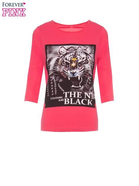 Koralowa bluzka z nadrukiem tygrysa i napisem THE NEW COLOURS ARE BLACK                                  zdj.                                  2