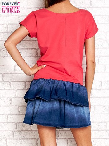 Koralowa sukienka dresowa z jeansowym dołem                                  zdj.                                  2