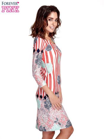 Koralowa sukienka w kwiatowe i geometryczne wzory                                  zdj.                                  3