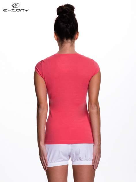 Koralowy damski t-shirt sportowy basic                                  zdj.                                  4