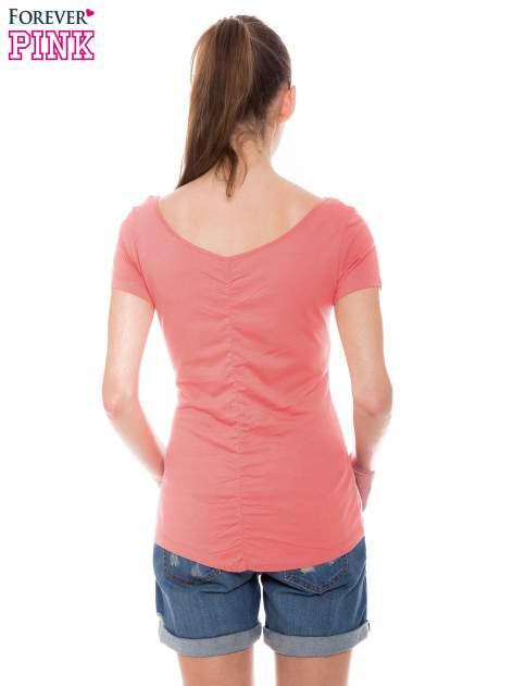 Koralowy gładki t-shirt z marszczeniem z tyłu                                  zdj.                                  3