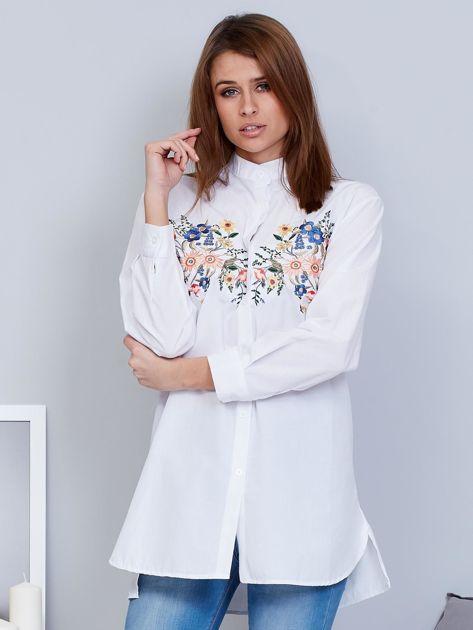 Koszula biała ze stójką i haftem                                  zdj.                                  1
