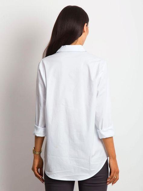 Koszula damska biała z kieszonką                              zdj.                              3