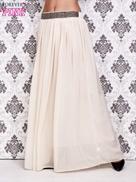 Kremowa spódnica maxi z ozdobnym paskiem