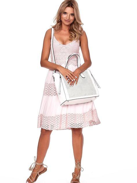 Kremowa torba shopper z ażurowaniem i odpinanym paskiem                              zdj.                              1