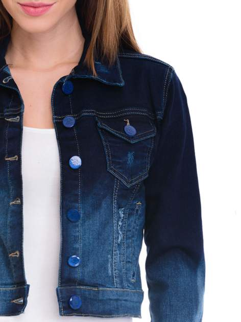 Kurtka jeansowa damska z efektem ombre w kolorze indygo                                  zdj.                                  5