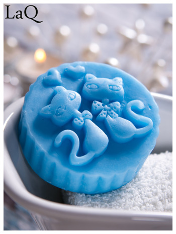 LaQ Mydełko Dwa kotki w medalionie - niebieski / Zapach - wata cukrowa BEZ SLS i SLES                                  zdj.                                  4