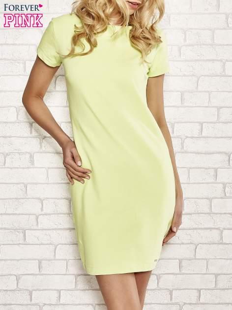 Limonkowa sukienka dresowa o prostym kroju
