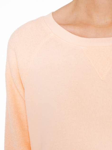 Łososiowa bluza oversize z łączonych materiałów                                  zdj.                                  5