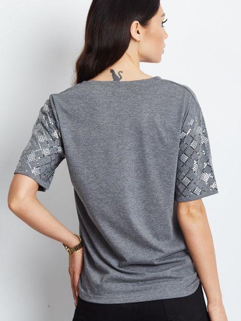 Luźny t-shirt V-neck z błyszczącymi cekinami ciemnoszary                              zdj.                              3