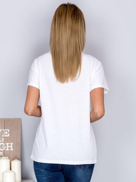 Luźny t-shirt z cekinowym napisem SUSHI biały                              zdj.                              2