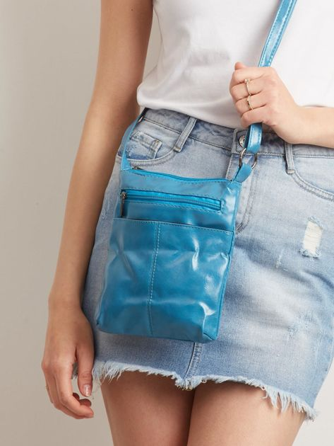 Mała niebieska torebka