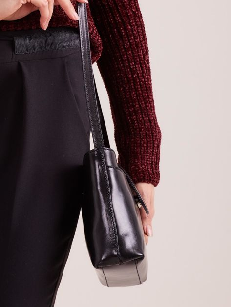 f5a87ed59c923 Mała skórzana torebka z odpinanym paskiem czarna - Akcesoria torba ...