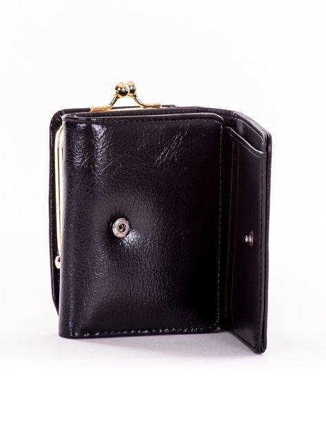Mały czarny portfel damski z kieszonką na bigiel                              zdj.                              4