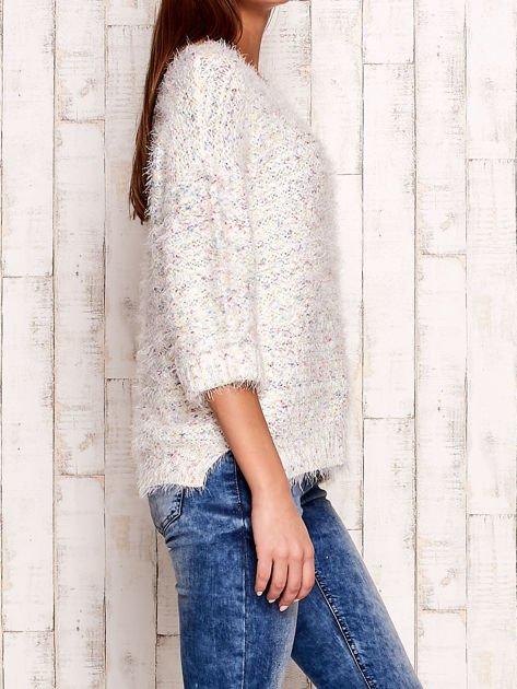 Melanżowy włochaty sweter z podwijanymi rękawami                                  zdj.                                  3