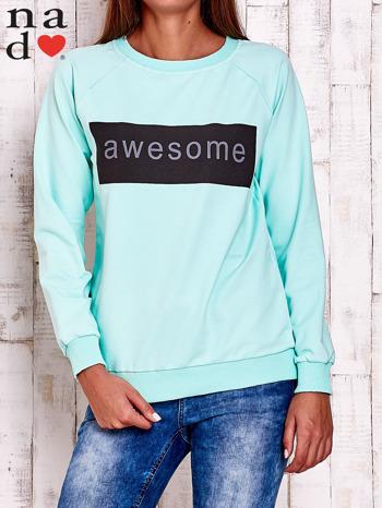 Miętowa bluza z napisem AWESOME