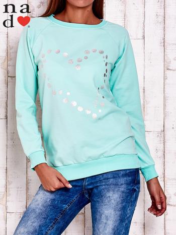 Miętowa bluza z wzorem serca