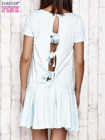 Miętowa sukienka dresowa z kokardami z tyłu                                  zdj.                                  4