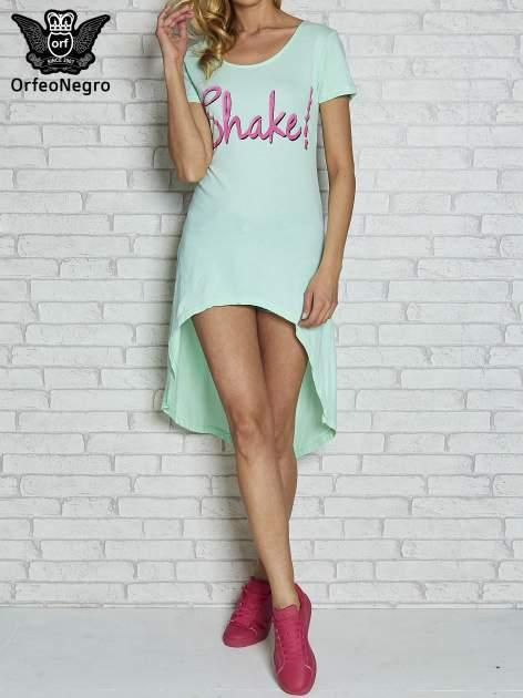 Miętowa sukienka z dłuższym tyłem i napisem SHAKE!                                  zdj.                                  1