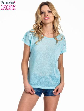Miętowy t-shirt z kryształkami na rękawach                                  zdj.                                  1
