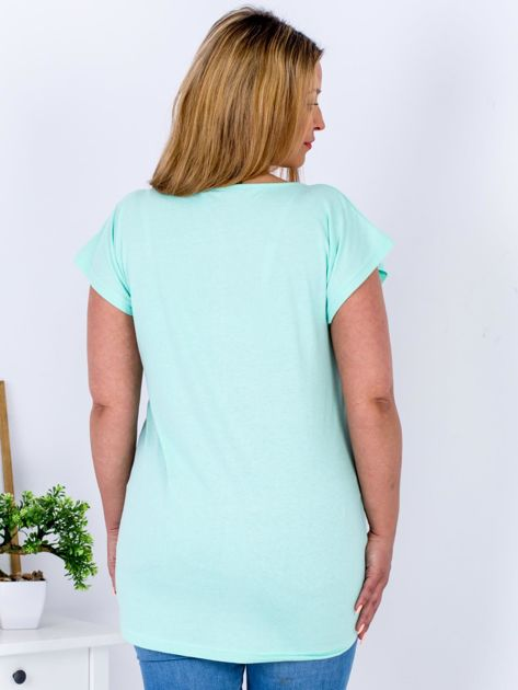 Miętowy t-shirt z kwiatowym printem PLUS SIZE                              zdj.                              2