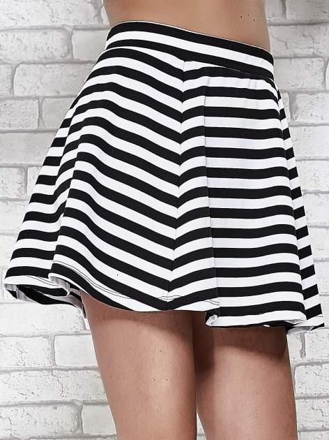 Mini spódnica skater w biało-czarne paski                                  zdj.                                  6