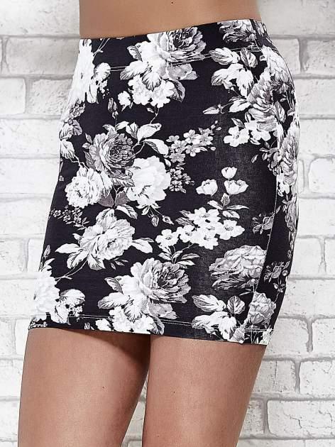 Mini spódnica tuba w kwiaty                                  zdj.                                  5