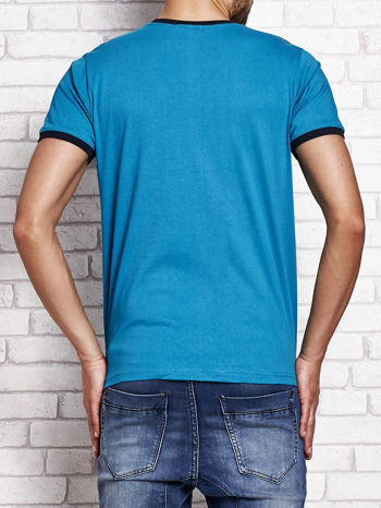 Morski t-shirt męski z aplikacjami i napisami
