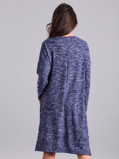 Niebieska asymetryczna sukienka z aplikacją                              zdj.                              2