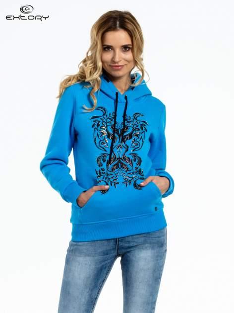 Niebieska bluza sportowa z kapturem i dżetami                                  zdj.                                  1
